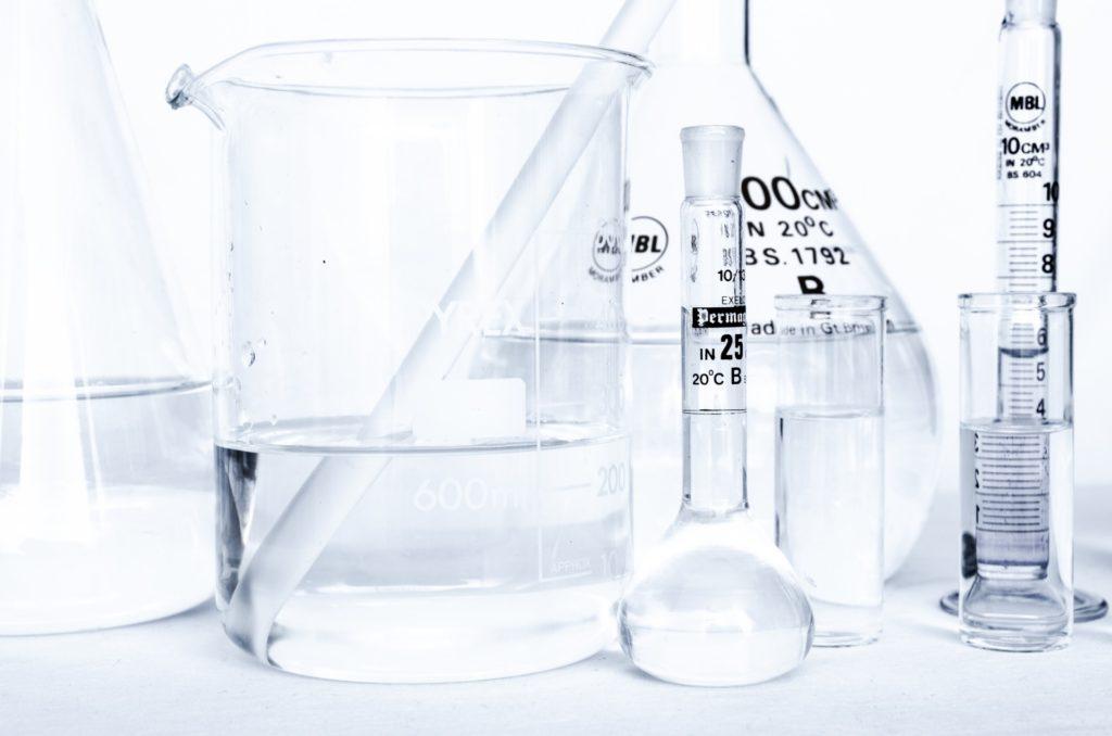 laboratory-glassware-1379145308HqC